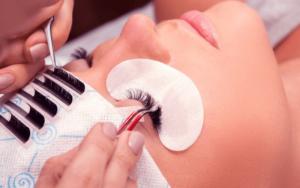 Read more about the article Порядок выполнения процедуры наращивания ресниц